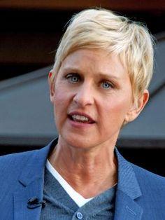 Ellen Lee DeGeneres (/dᵻˈdʒɛnərəs/