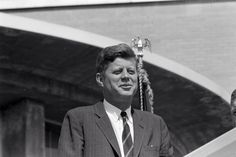1963. 18 Mai. By Cecil W. STOUGHTON. ST-278-1-63. President John F. Kennedy attends the 30th anniversary celebration of the Tennessee Valley Authority (TVA) held outside the TVA's Chemical Engineering Building in Muscle Shoals, Alabama; the president delivered an address for the occasion