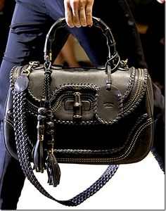 I have this bag and it's gorgeous. A definite favorite in my purse collection. Fashion Handbags, Tote Handbags, Purses And Handbags, Fashion Bags, Fashion Fashion, Gucci Purses, Gucci Bags, Gucci Gucci, Gucci 2014