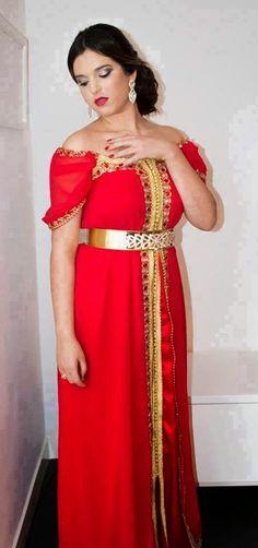 Caftan Rouge robe soirée 2015 en style très spéciale pour celles qui aiment avoir un look moderne le temps d'une soirée de mariage ou grands événements