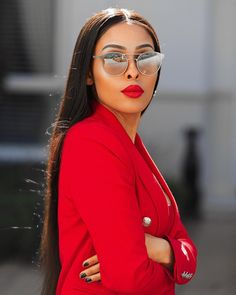 Kefilwe Mabote is showing us how to look super stylish to work this week Fashion Killa, Look Fashion, Girl Fashion, Fashion Outfits, Fashion Beauty, Elite Fashion, Classy Outfits, Stylish Outfits, Red Suit