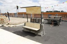 Chairs With Casters Dining Urban Furniture, Street Furniture, Landscape Architecture, Landscape Design, Jersey Barrier, Area Urbana, Walkable City, Urban Intervention, Pocket Park