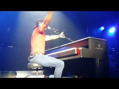 Kid Rock with Bob Seger - Old Time Rock N' Roll - All Summer Long - 8/20/13 DTE Clarkston, MI - YouTube