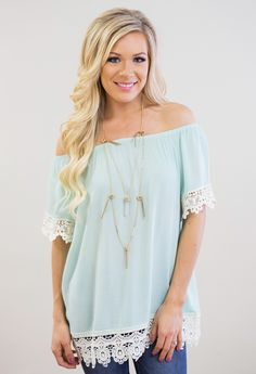 The perfect off the shoulder top with a gorgeous boho style and touch of lace.