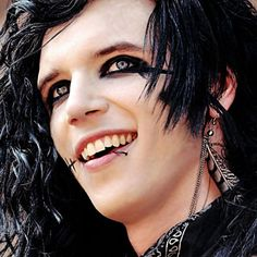 That smile.. :)