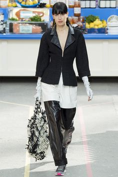 Chanel Fall 2014 RTW - Review - Fashion Week - Runway, Fashion Shows and Collections - Vogue