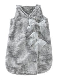 Turbulette fille Sleeping bag for baby! Baby Knitting Patterns, Knitting For Kids, Baby Patterns, Knitting Projects, Crochet Baby, Knit Crochet, Baby Cocoon, Baby Sweaters, Sleeping Bag