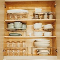 """Home Sort no Instagram: """"I bet you never thought a kitchen cabinet full of dishes could make you feel something, right? But this one does. It made our client feel…"""""""
