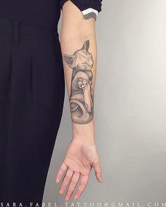HEALED HAIRLESS KITTEN #hairlesskitten #kitten #sweetbaby #feline #black&gray #baby #paws #ears #sweetface #tail #sarafabel #tattoo #tattoos #womantattooer #blackwork #stippling #dotwork #geometric #forearm #sleeve #animals #botanical #anatomical