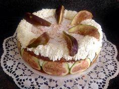Schuim biscuit taartje met citroenroom en vijgen Het recept staat op: https://www.facebook.com/kokenenbakkenmetmarion/