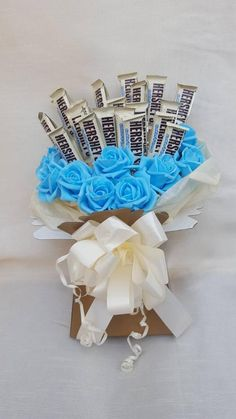 Hershey bars Chocolate Bouquet - Any Occasion Birthdays Gift Card Bouquet, Candy Bouquet Diy, Diy Bouquet, Bouquets, Bar Gifts, Candy Gifts, Valentines Day Chocolates, Valentines Diy, Chocolate Gifts
