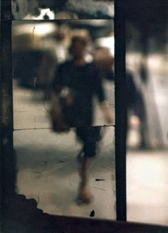 Saul Leiter - Shopping, c. 1953 © Saul Leiter / Courtesy Howard Greenberg Gallery, New Saul Leiter, Abstract Photography, Artistic Photography, Color Photography, Fashion Photography, Urban Photography, Night Street Photography, Photography Ideas, Photography Hashtags