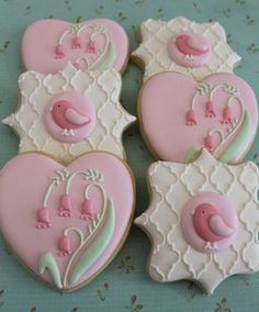 Floral bird cookies by Miss Biscuit.such pretty cookies Bird Cookies, Fancy Cookies, Flower Cookies, Valentine Cookies, Cute Cookies, Easter Cookies, Royal Icing Cookies, Cupcake Cookies, Sugar Cookies
