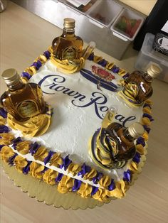46 super ideas birthday cake for mom Birthday Cake Crown, Funny Birthday Cakes, Birthday Cake For Mom, 21 Birthday, Happy Birthday, Crown Royal Cake, Royal Theme Party, Corona Cake, Liquor Cake