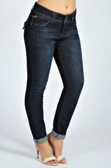 Trendy Plus Size Fashion for Women: Jeans - updated for 2014. yes even plus sizes suit the skinny leg styling