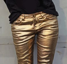 Gold, metallic, jeans, skinny, coated denim, black T-Shirt, sexy, casual, fashion, style