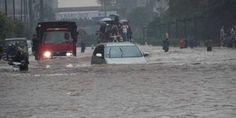Ινδονησία: Τουλάχιστον 44 νεκροί από πλημμύρες και κατολισθήσεις στη νήσο Φλόρες - Sahiel.gr Jakarta, Construction, City, Outdoor, Wikimedia Commons, Sunday, Social Media, Homes, Organization