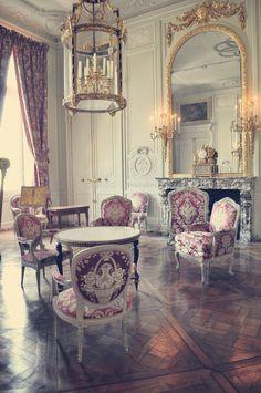 Chateau de Versailles - Petit Trianon. {Le Petit Trianon était un cadeau de Louis XVI à Marie-Antoinette}