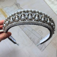 Royal Crowns, Royal Jewels, Tiaras And Crowns, Crown Jewels, Hair Jewelry, Bridal Jewelry, Beaded Jewelry, Fashion Accessories, Hair Accessories