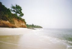 Here are some of the Best Beaches in Guinea Bissau: Bolama Island, Suru Beach, Melo Island Beach & Varela Beach. Beautiful Places To Travel, Cool Places To Visit, Bel Air, Seychelles, Uganda, Prague Attractions, Bolivia Travel, Thinking Day, Africa Travel