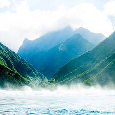 Into the mist. #Tahiti #nature  Photo: @magsymooo