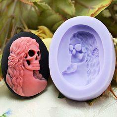 Skull soap mold