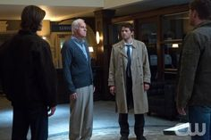 """Supernatural -- """"Hunteri Heroici"""" -- Image SN808a_2517 – Pictured (L-R): Jared Padalecki as Sam, Mike Farrell as Fred, Misha Collins as Castiel, and Jensen Ackles as Dean -- Credit: Jack Rowand/The CW --  © 2012 The CW Network. All Rights Reserved"""