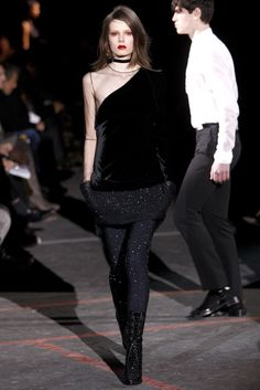 Givenchy Fall 2010 Ready-to-Wear - Collection - Gallery - Style.com