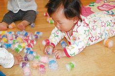 プチプチボールで遊ぼう(0歳児) Kids Toys, Activities For Kids, Toddler Bed, Children, Crafts, Decor, Childhood Toys, Child Bed, Young Children