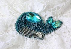 Bead embroidery tutorial for a brooch Blue Whale