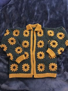 (15) Made a sunflower cardigan! Really happy with how it turned out :) : crochet Cute Crochet, Crochet Crafts, Crochet Projects, Knit Crochet, Sewing Projects, Crotchet, Knitting Patterns, Sewing Patterns, Crochet Patterns