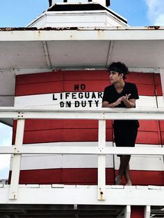 I would be okay if he saved me 😂 Baywatch, Love You Papa, Twitter Bio, Love Of My Life, My Love, Between Two Worlds, Sing To Me, Lifeguard, Baby Daddy