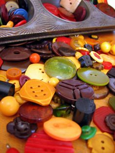 Oodles of Bakelite Buttons