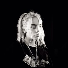 ♡jam through the pain babes♡ Billie Eilish, Real Queens, Celebs, Celebrities, Favorite Person, American Singers, Me As A Girlfriend, Music Artists, My Idol
