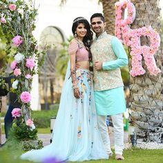 Floral Fantasy Mehndi #bride: @roshinidaswani #mua: @dressyourface #photography: @pictureperfectindia ______________________________ indianwedding #indianweddings #indianweddingbuzz #indianweddinginspiration #weddinginspiration #realwedding #realindianwedding #indianbride #wedding #weddings #weddingday #weddinginspiration #bride