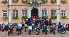 Pimp your helmet: Helmplüschis Bunte, lustige Helmüberzüge für alle Arten von Helmen gibt es bei Daniel Köhn aus Kadelburg; als Nebenerwerb betreibt Daniel einen Handel mit Helmplüschis http://www.atv-quad-magazin.com/aktuell/pimp-your-helmet-helmplueschis/ #helm #motorradhelm #styling #helmueberzug #plueschis