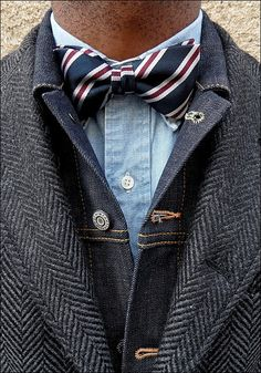 The French Vintagologist #bowtie #denim #blazer