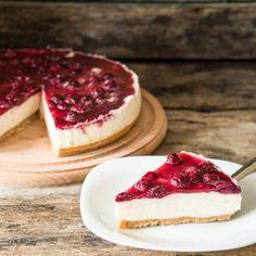 Leichter Low Carb Quarkkuchen mit Kirsch-Topping
