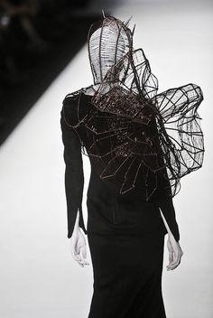 Hu Sheguang Haute Couture S/S 2012