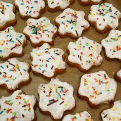 #gingerbread Ginger Men, Sprinkles, Gingerbread, Homemade, Cookies, Baking, Sweet, Desserts, Food
