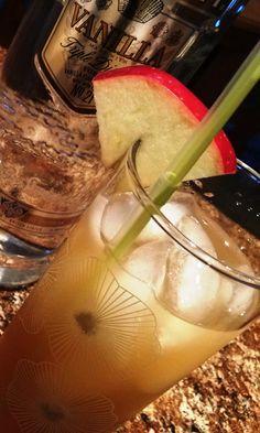 Autumn Apple Buckle... vanilla vodka, apple cider and ginger ale!!