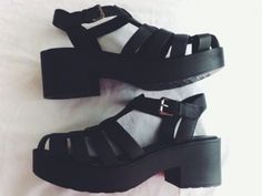 Tumblr sandals heels. A bit strange but they got something...:)