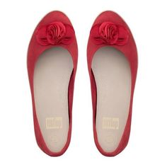 FitFlop Florrie™ Superballerina in Nubuck (7.850 RUB) ❤ liked on Polyvore featuring shoes, classic red, ballet flat shoes, flower print shoes, ballerina shoes, nubuck shoes and red shoes