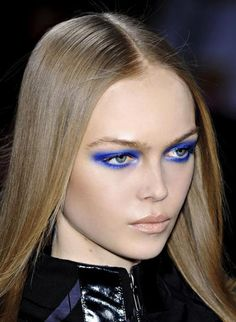Google Image Result for http://www.eyeshadowlipstick.com/wp-content/uploads/2011/03/siri-tollerad-blue-eyeshadow.jpg