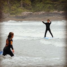 Sibling love // #surflessons #yourtofino #gosurfing //  @paulmakespictures