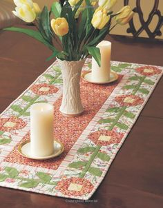 The Best of Fons & Porter: Tabletop Quilts-From Patchwork and Appliqué to Wool Felt Folk Art, 34 Projects for all Seasons Small Quilts, Easy Quilts, Mini Quilts, Table Runner And Placemats, Quilted Table Runners, Place Mats Quilted, Quilted Table Toppers, Herd, Sewing Table