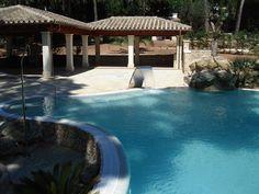 Piscinas ovalada en Formentor. Mallorca www.piscinasmallorca.es Outdoor Decor, Home Decor, Balearic Islands, Pools, Majorca, Decoration Home, Room Decor, Interior Decorating
