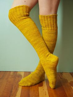 Little Cable Knee Highs, pattern by Purl Soho. Knitted Socks Free Pattern, Knitting Socks, Knitting Patterns, Knee Highs, Fashionable Snow Boots, Wool Socks, How To Purl Knit, High Knees, Sock Yarn