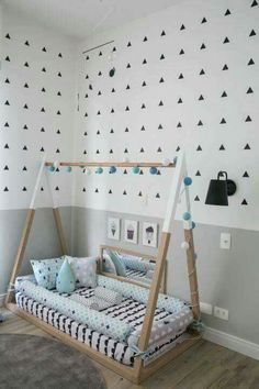 Best Toddler Boys Bedroom Themes for your Best Toddler Boys Bedroom Themes for your inspiration Baby Hammock Cama montessoriana: 90 modelos lindos, vantagens e onde comprar Custom order toddler bed bumper removable cover snake Montessori Teepee Bed Boy Toddler Bedroom, Toddler Rooms, Baby Bedroom, Baby Boy Rooms, Nursery Room, Girls Bedroom, Toddler Floor Bed, Trendy Bedroom, Baby Floor Bed