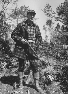 Bean deer hunting outfit - Freeport, ME 1941 (Photographer: George Strock). For the fashionable deer hunter. Bow Hunting Deer, Deer Camp, Hunting Gear, Hunting Dogs, Hunting Stuff, Hunting Photography, Hunting Pictures, Hunting Equipment, Hunting Clothes